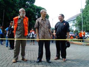 Ketua ORARI, Dekan Fak. TEknik, Prof. Sunarno